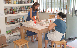 accueil ateliers et cours de poterie c ramique paris. Black Bedroom Furniture Sets. Home Design Ideas